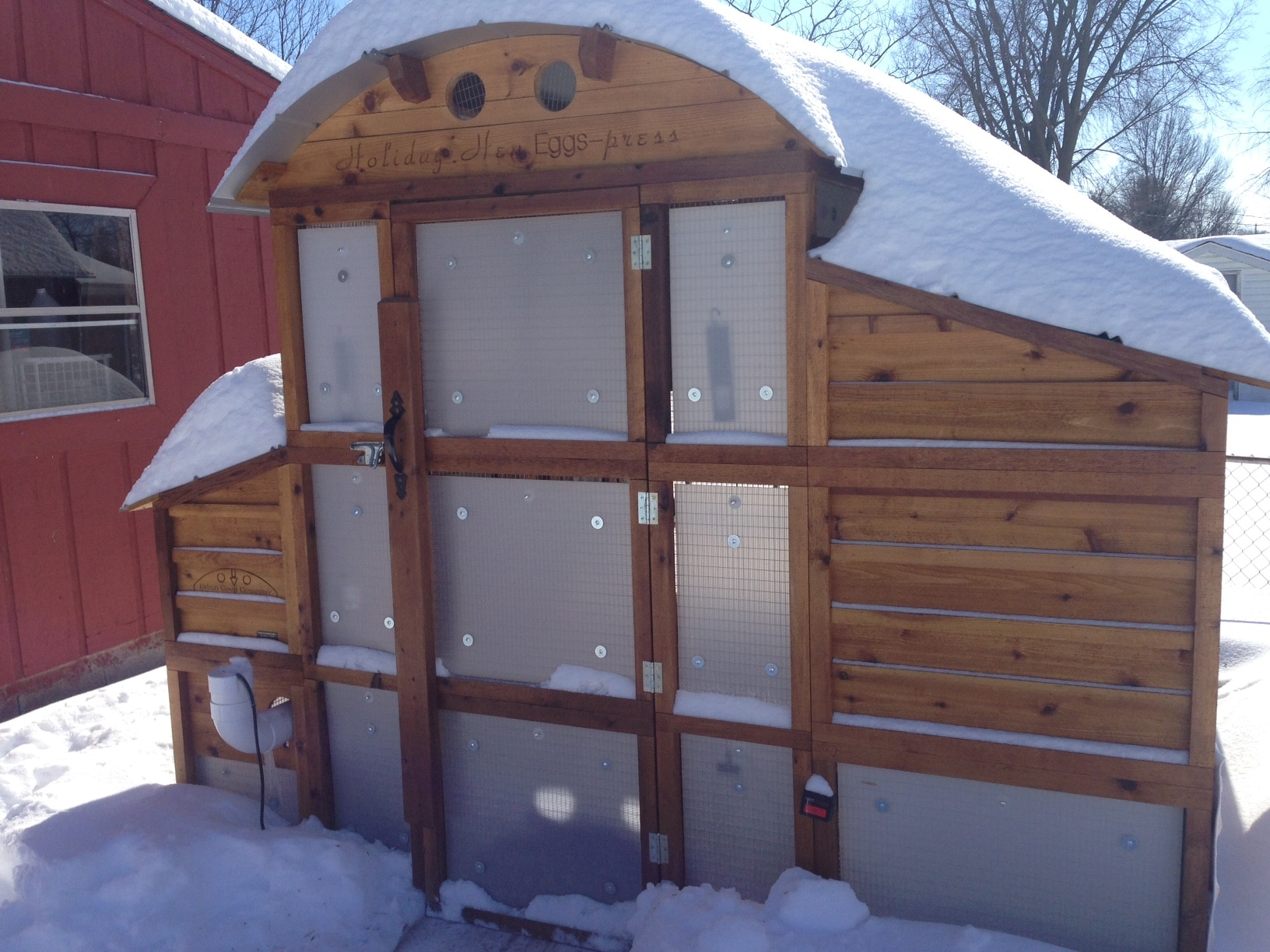 Storm Panels Round-Top Walk-In Coop
